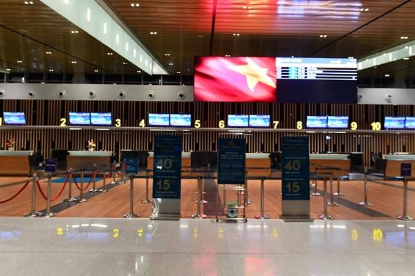 Sảnh chờ nhà ga Vân Đồn hiện đại.